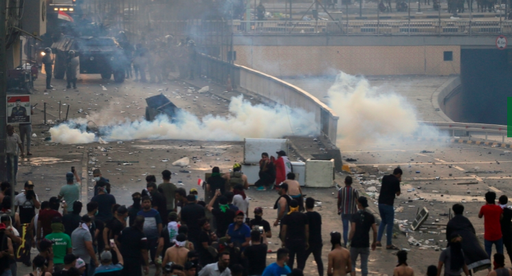 Gunfights Rage as Iraq Protests Grow Nationwide