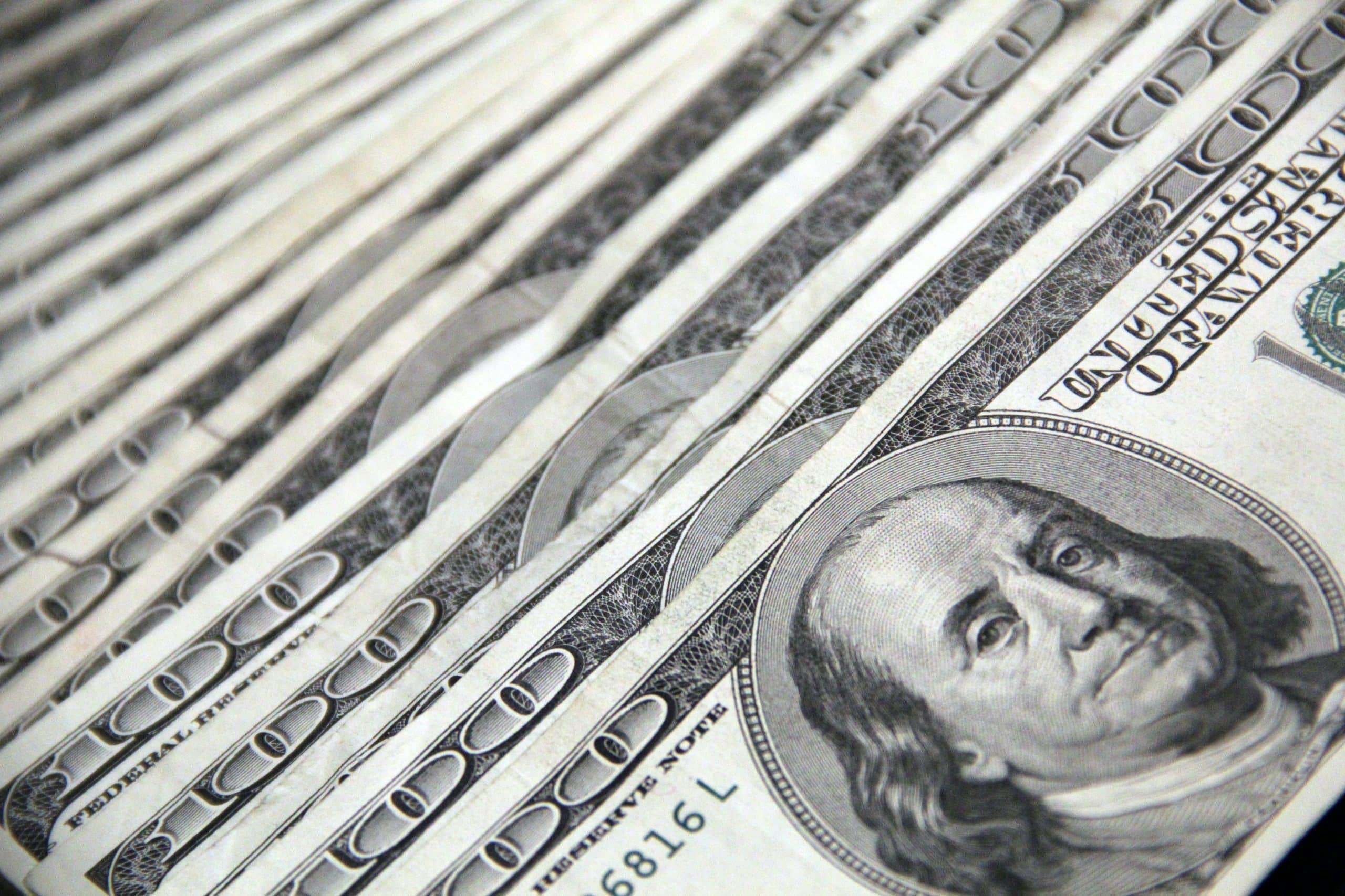 100 Us Dollar Banknotes 3531895
