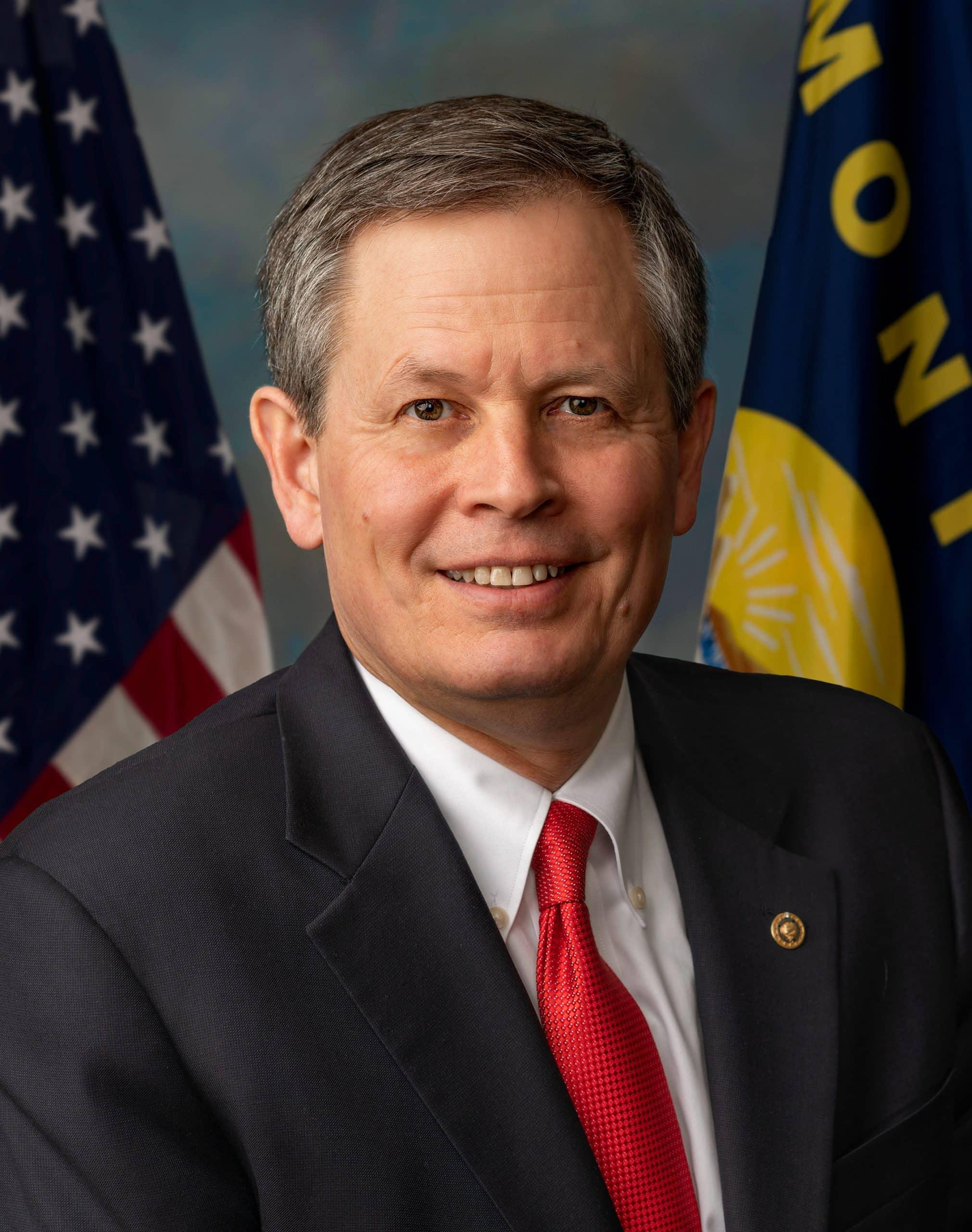 Steve Daines, Official Portrait, 116th Congress