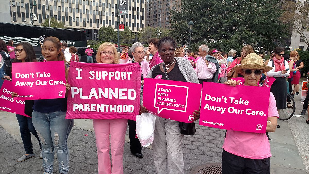 1200px pink out for planned parenthood (21195941034)